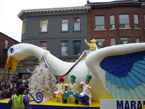 santa claus parade 3
