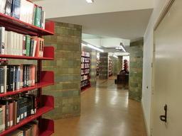 図書館内①.jpg
