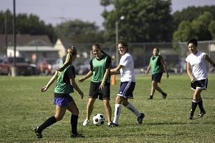 大学女子サッカー.jpg