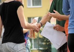 handshakes_250.jpg