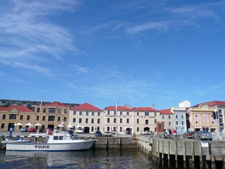 Hobart Harbour123889_720.jpg