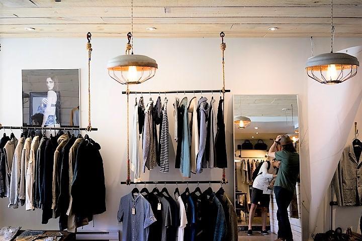 clothing-store-720.jpg