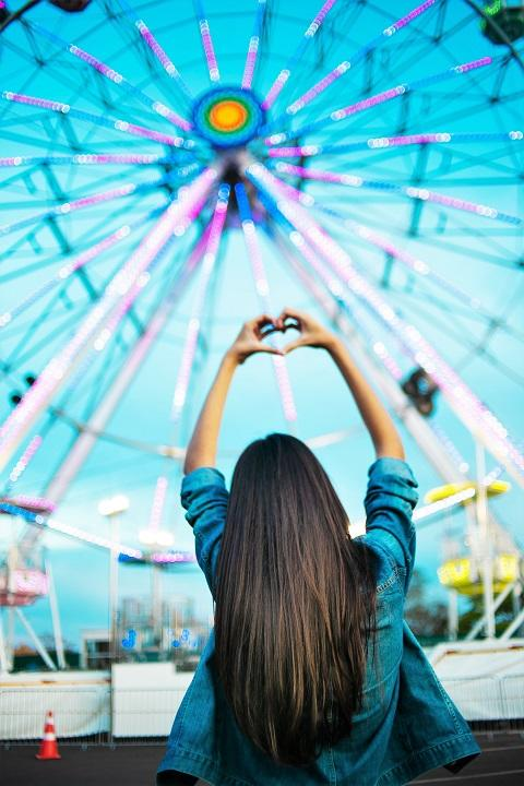 ferris-wheel-festival-fun-1405422_720.jpg