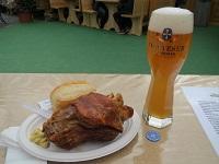 ビールとアイスバイン_resize.jpg