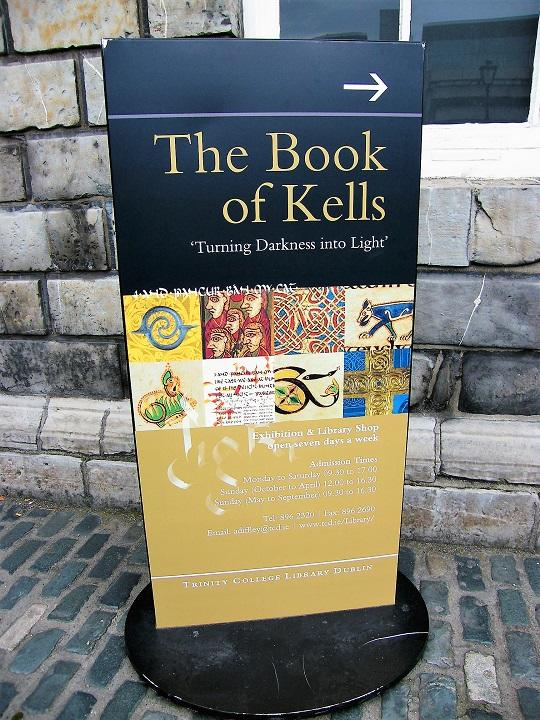 The Book of Kells@Trinity College.jpg