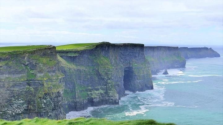 pixabay_cliffs-of-moher-2641965_720.jpg