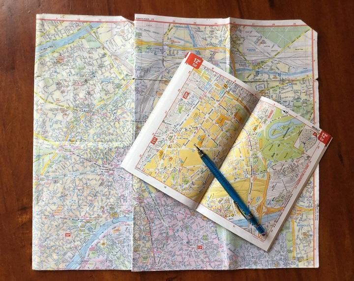 海外の地図を広げて_720.jpg