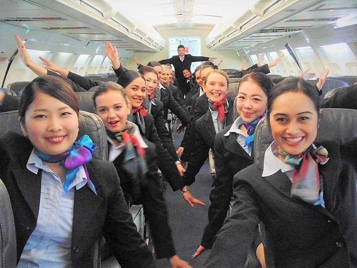 NZST_air-hostess-002_720.jpg