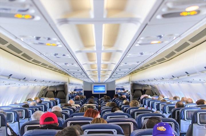 airplane-seats-2570438_720.jpg