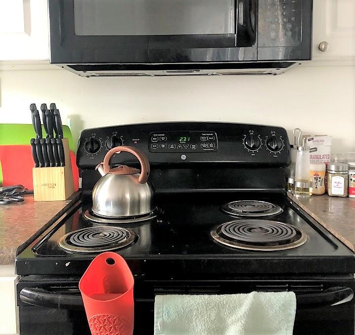Kitchen_720.jpg