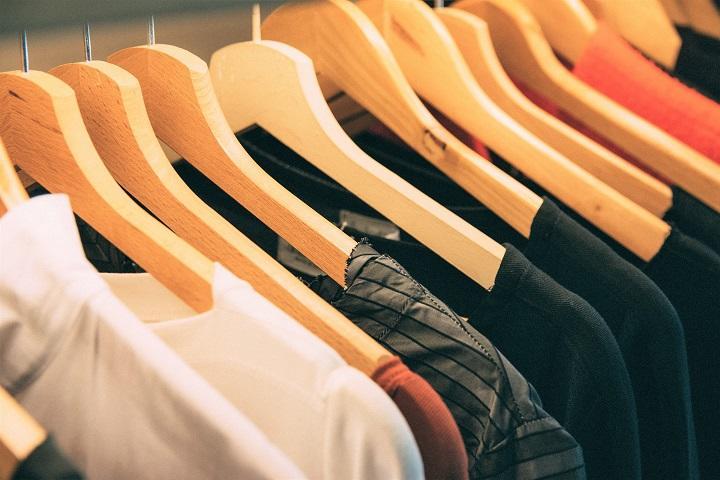 clotheshanger-720.jpg