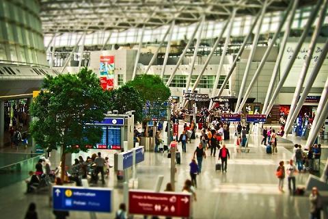 airport-1515448_480.jpg